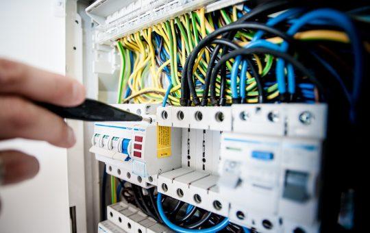Zadbaj o bezpieczeństwo i wybierz sprawdzone kable